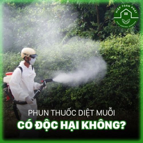 Phun thuốc diệt muỗi có độc hại không